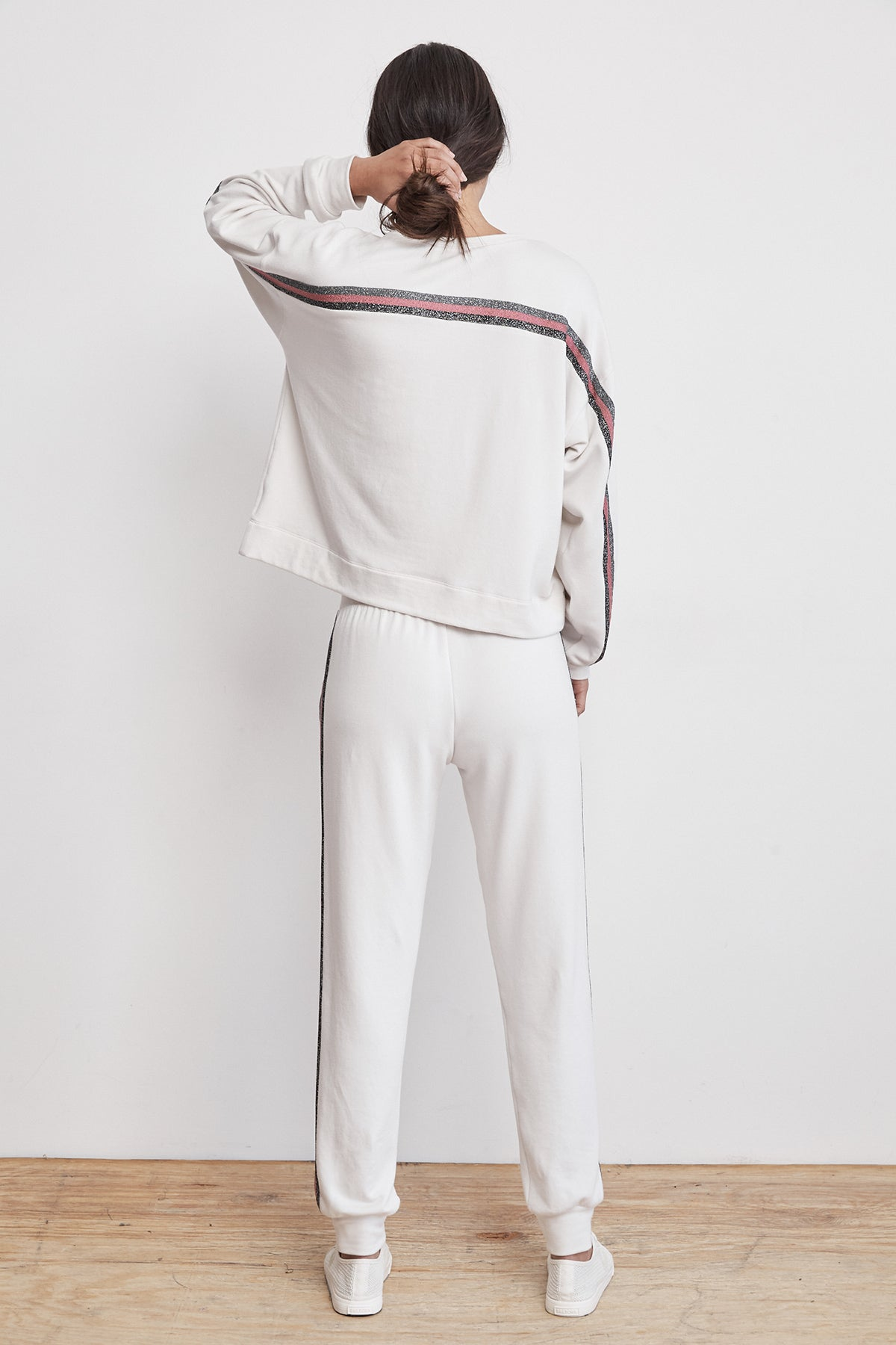 JETTA METALLIC TRIM LUXE FLEECE SWEATPANT