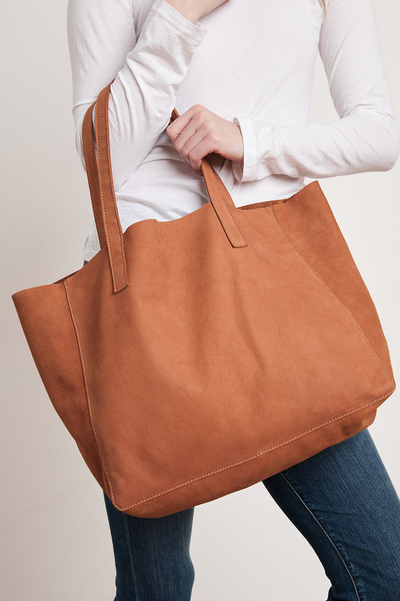 CLOVER LEATHER TOTE