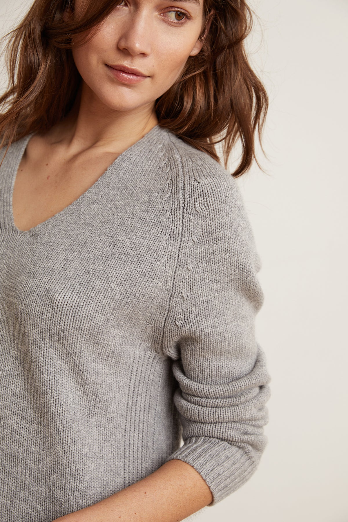 SOFIE LUX CASHMERE BLEND V-NECK SWEATER
