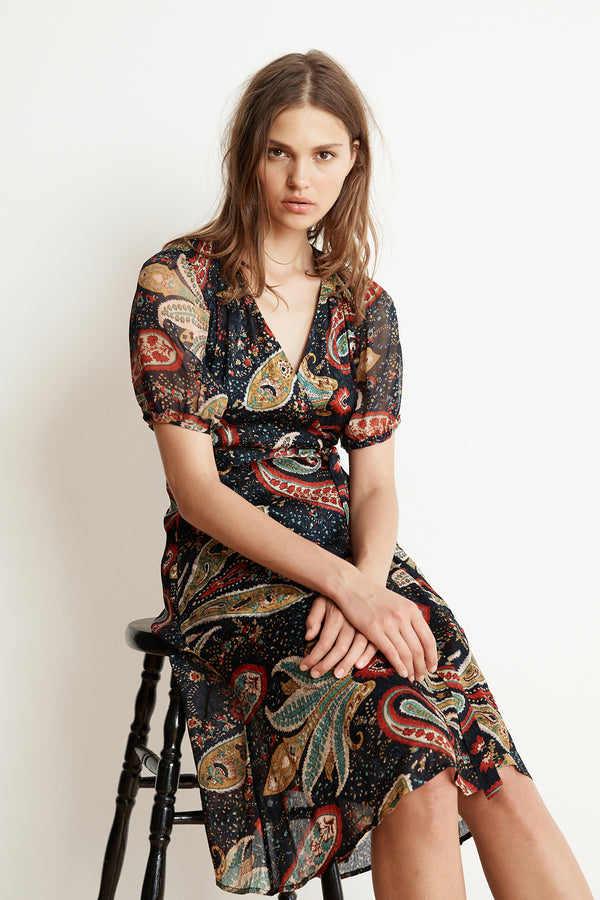 TAYLOR PAISLEY SHORT SLEEVE WRAP DRESS
