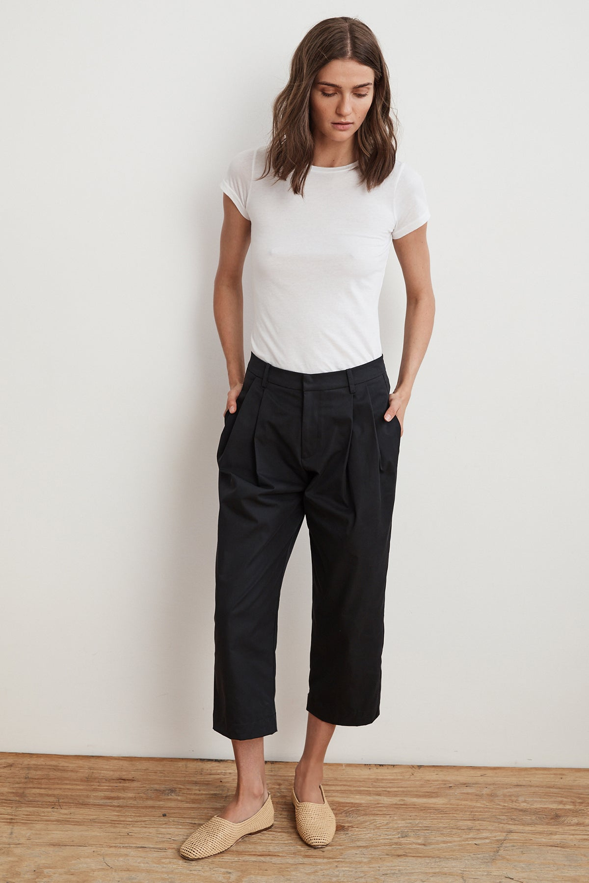 ENYA PLEATED HIGH RISE CROPPED TROUSER