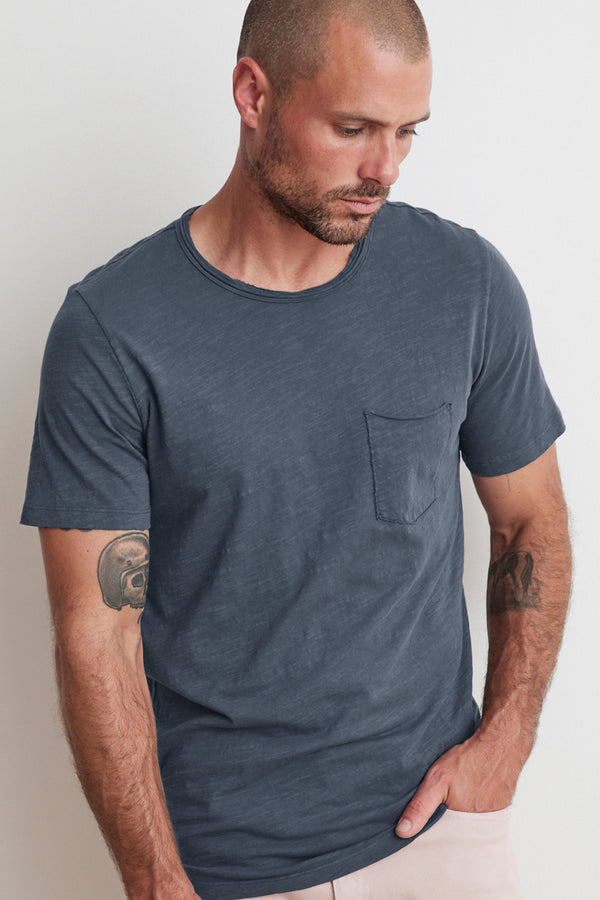 CHAD RAW EDGE COTTON SLUB POCKET TEE