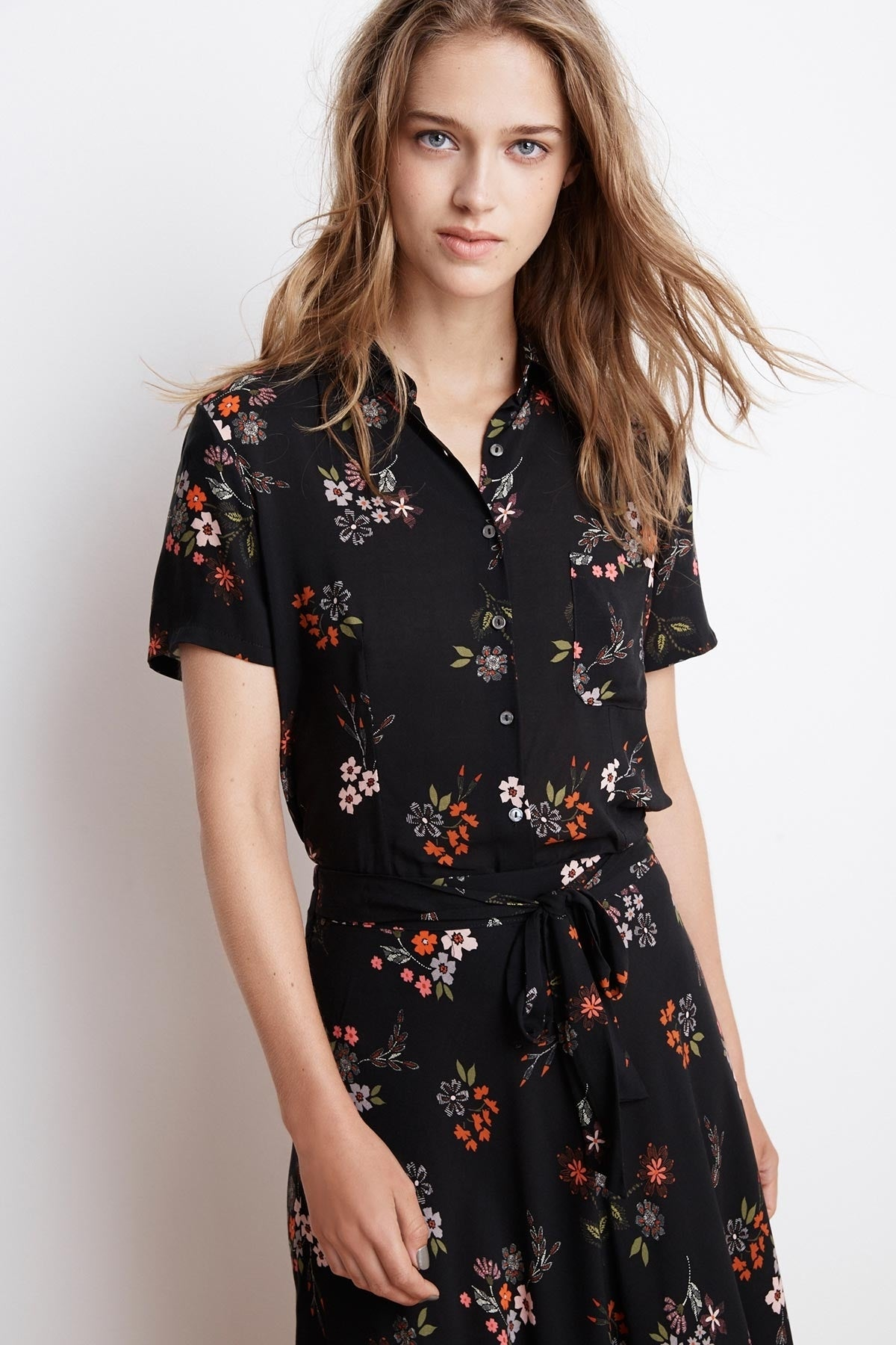 CONNIE SPRING FLORAL CHALLIS BUTTON UP TOP