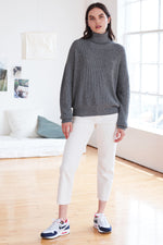 MINDY TEXTURED KNIT TUTRTLENECK SWEATER