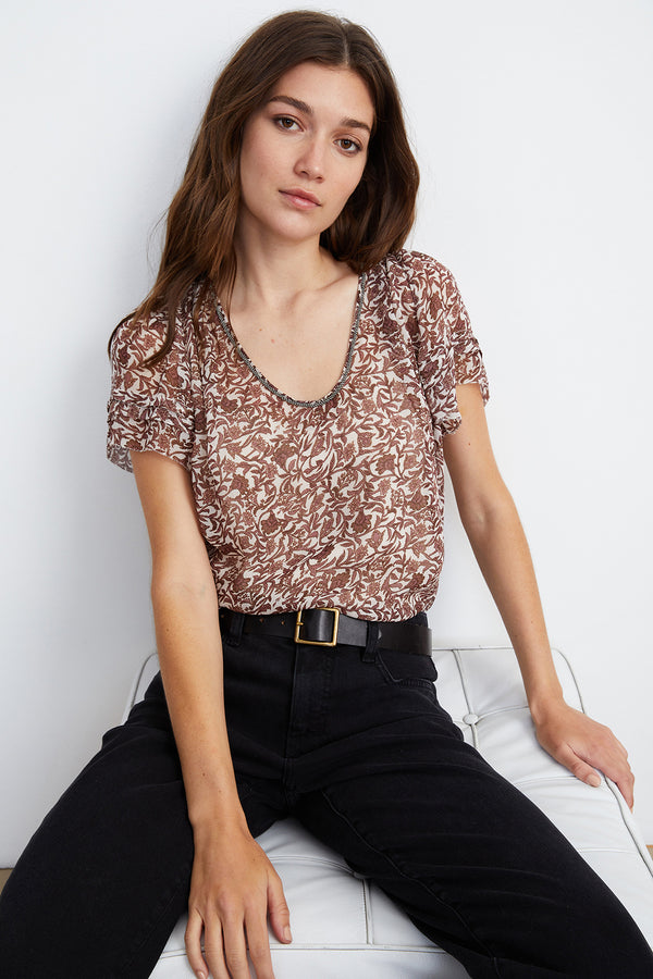 TRACIA SCOOP NECK PRINTED BLOUSE