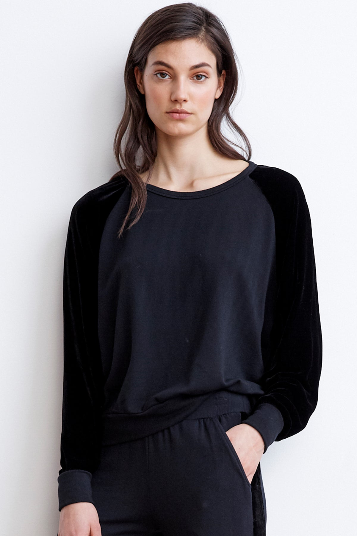 WESTINE VELVET FLEECE RAGLAN TOP