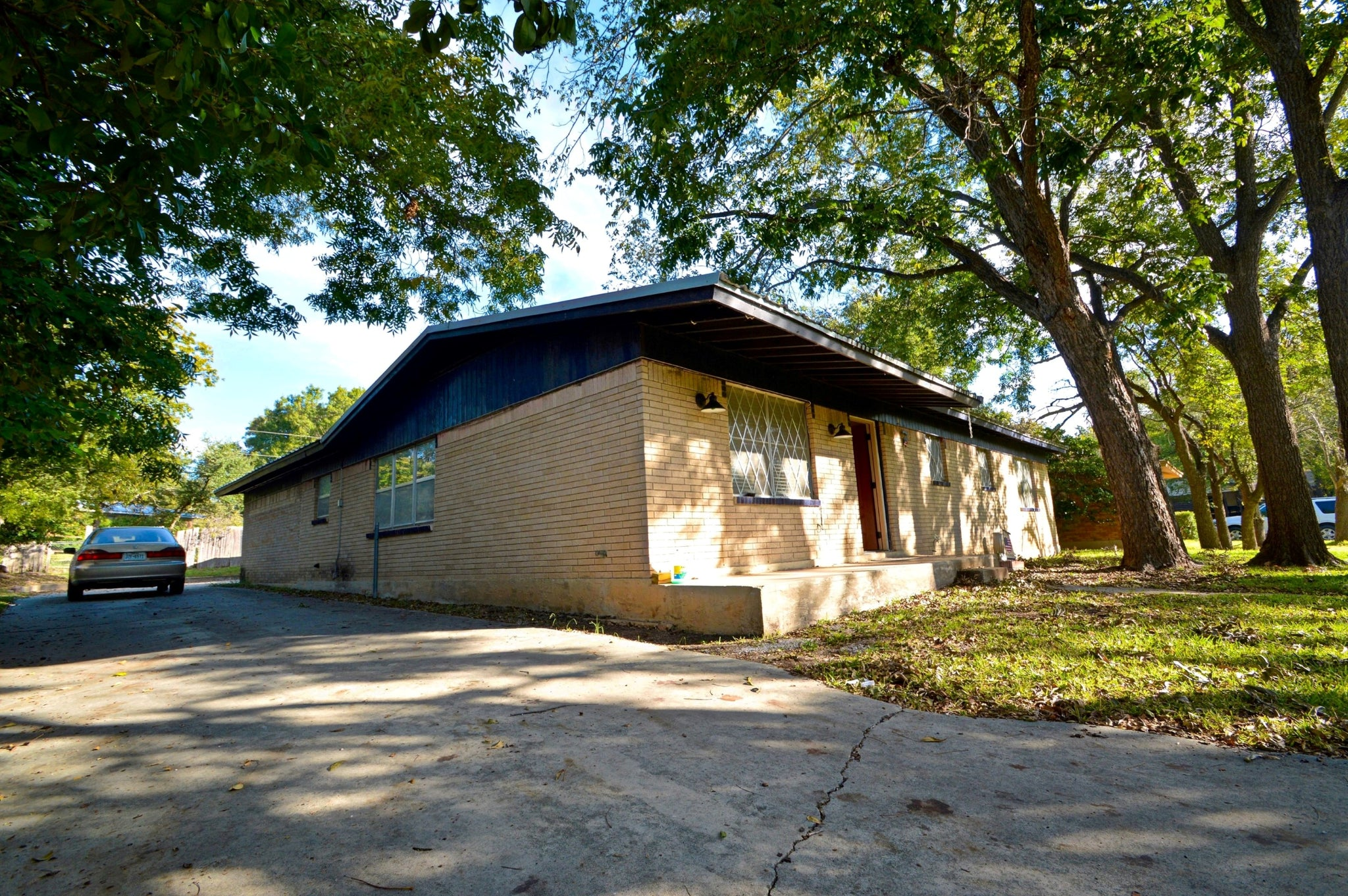 SOLD!  3 Bedroom 2 Bath Brick Home at 1417 West 4th Street,  Lampasas Texas 76550