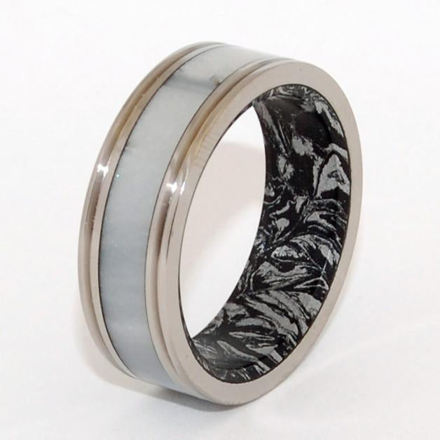 Marbled Opalescent + Mokume Gane [Black/Silver] With Pinstripes
