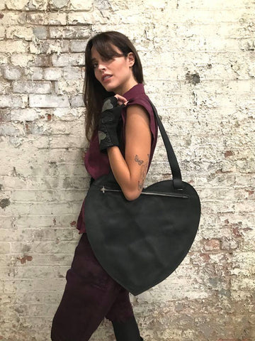 HEART SHAPED LEATHER TOTE - BLACK