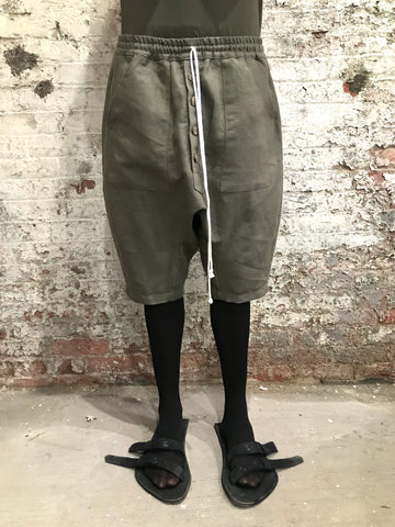INSERT FLY DROP CROTCH SHORTS || OLIVE GREEN LINEN