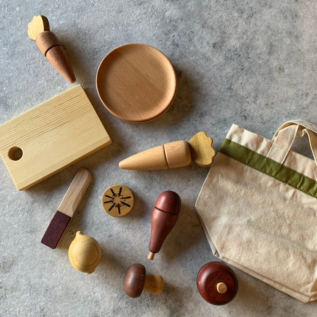 Wooden toys: fruit and veggie chop - Scout Coffee