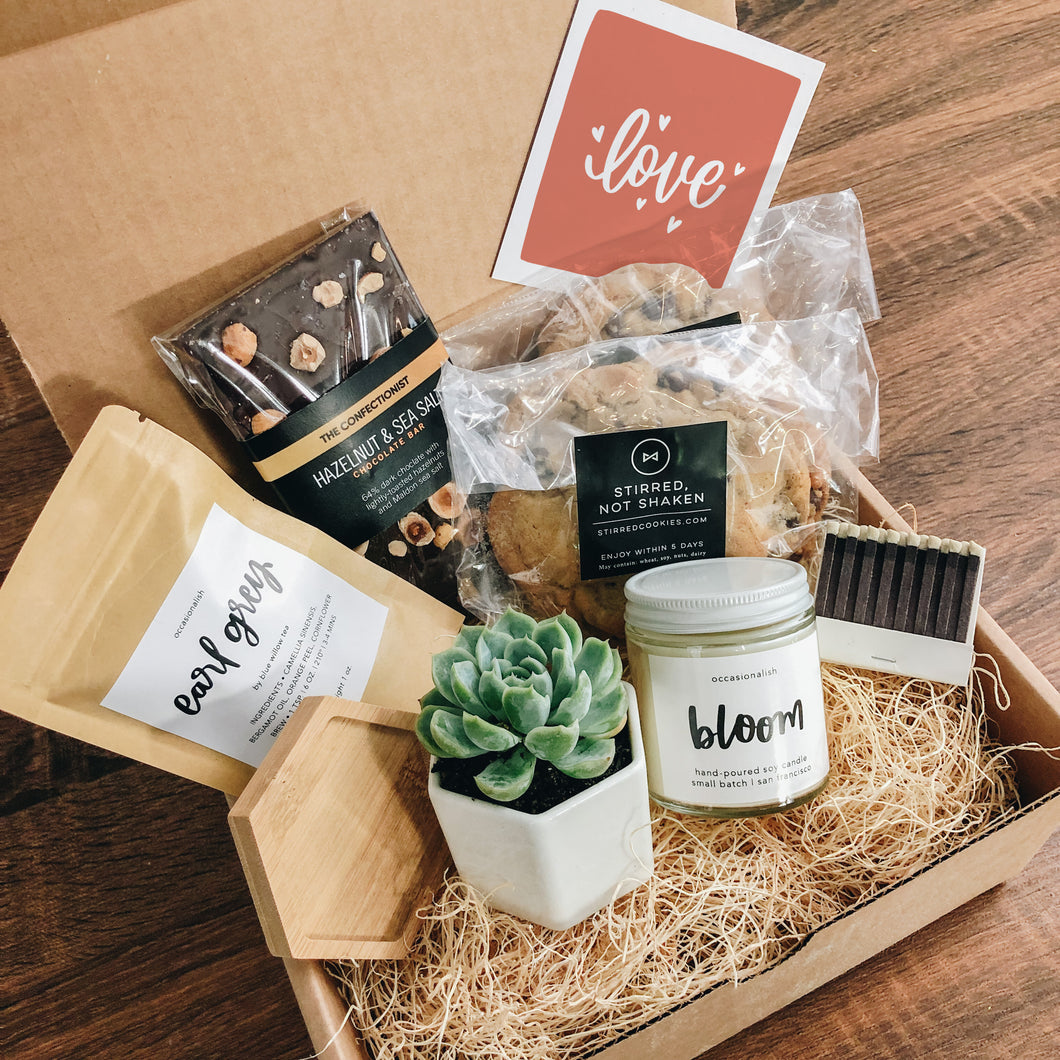 Love Is Sweet Gift Box