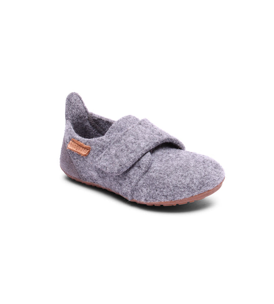 Wool slippers with velcro
