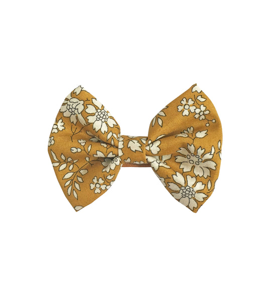 Small Bowtie Bow Capel
