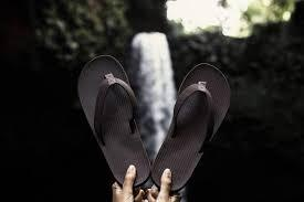Indosole Upcycled Mens Essntls Flip Flop in Black