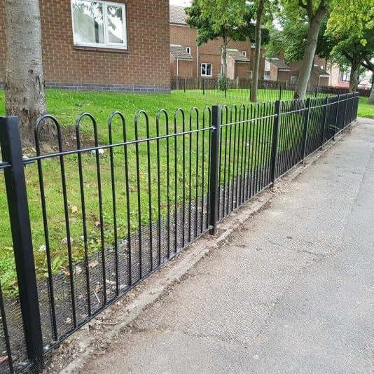 BOW TOP FENCING | Almec Fencing | UK Suppliers & Erectors of Domestic & Industrial Fencing