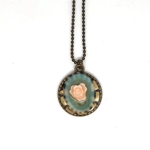 Rose & Shell Round Pendant