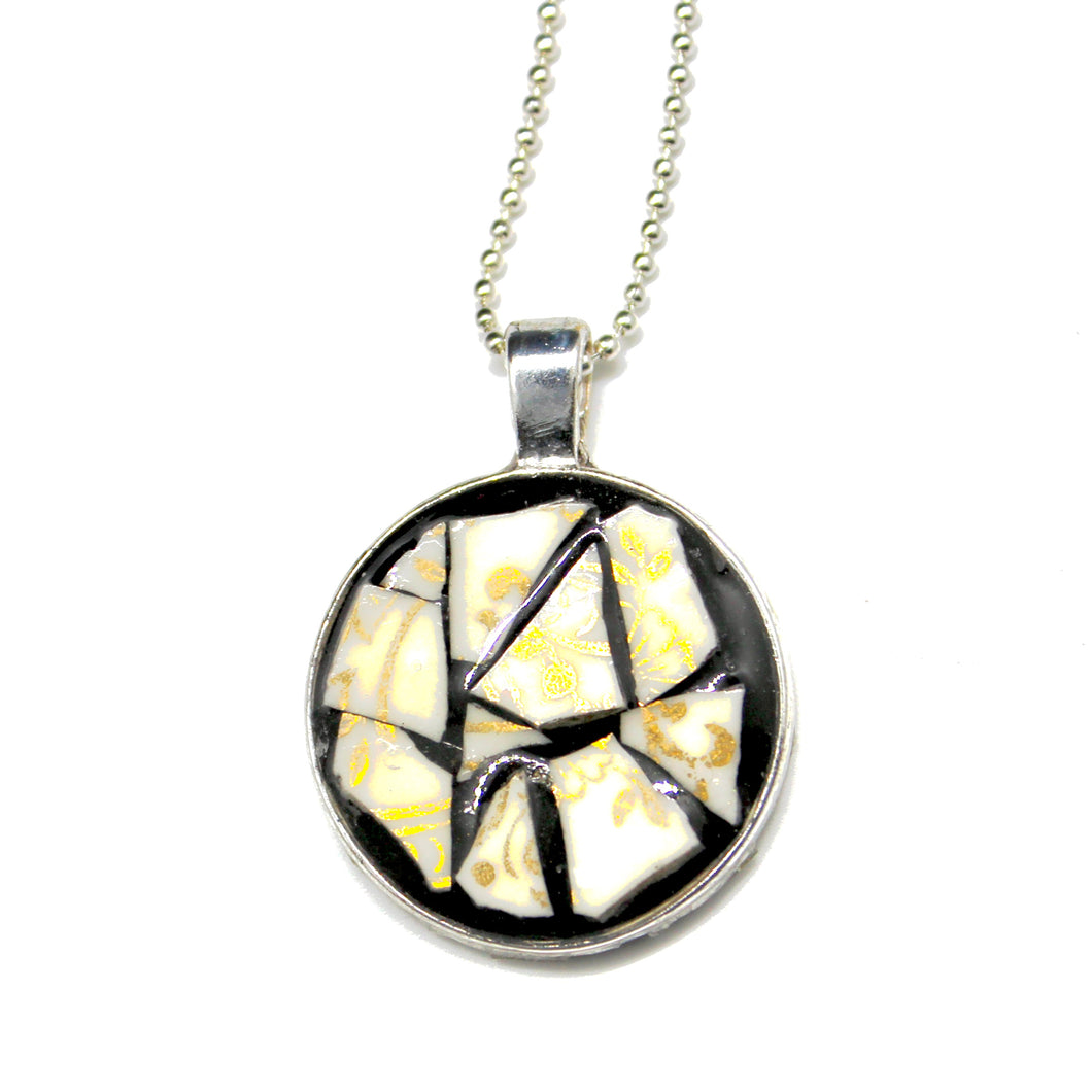 White & Gold China Pendant