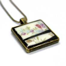 Split Field Flowers Pendant