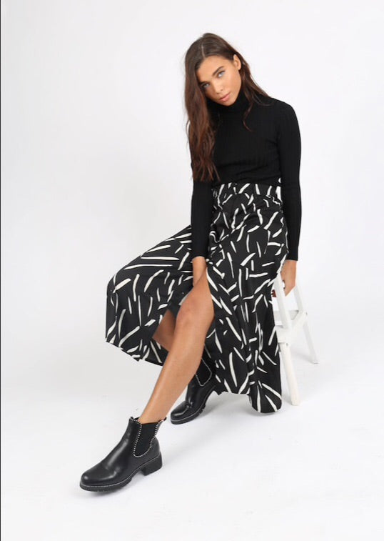 Mono Abstract Midi Skirt