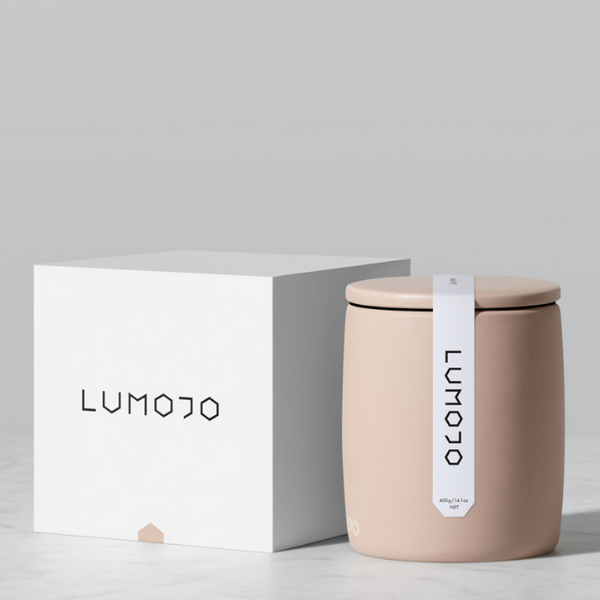 Lumojo Kamahi Honey Pot 400g next to gift box