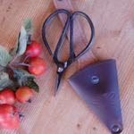 Sting in the Tail Snips in Leather Pouch for Gardening