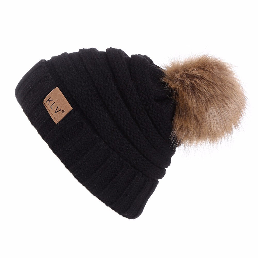 Black White Outfit_Faux Fur Pom Pom Wool Beanie Hat, Black