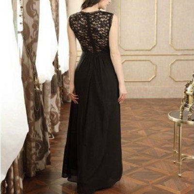For a gorgeous style for your next special occasion, choose this Vintage Lace Maxi Dress in black.