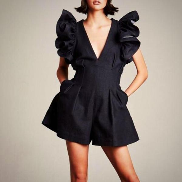 Perfect for work or a formal occasion, this Ruffle V-neck Pocket Playsuit is stylish and easy to wear.