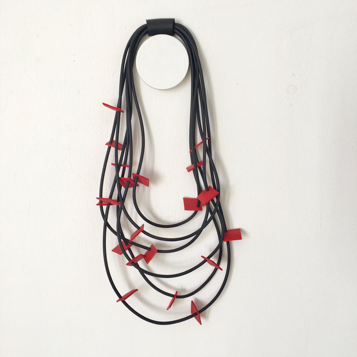 Neo Black/Red Necklace