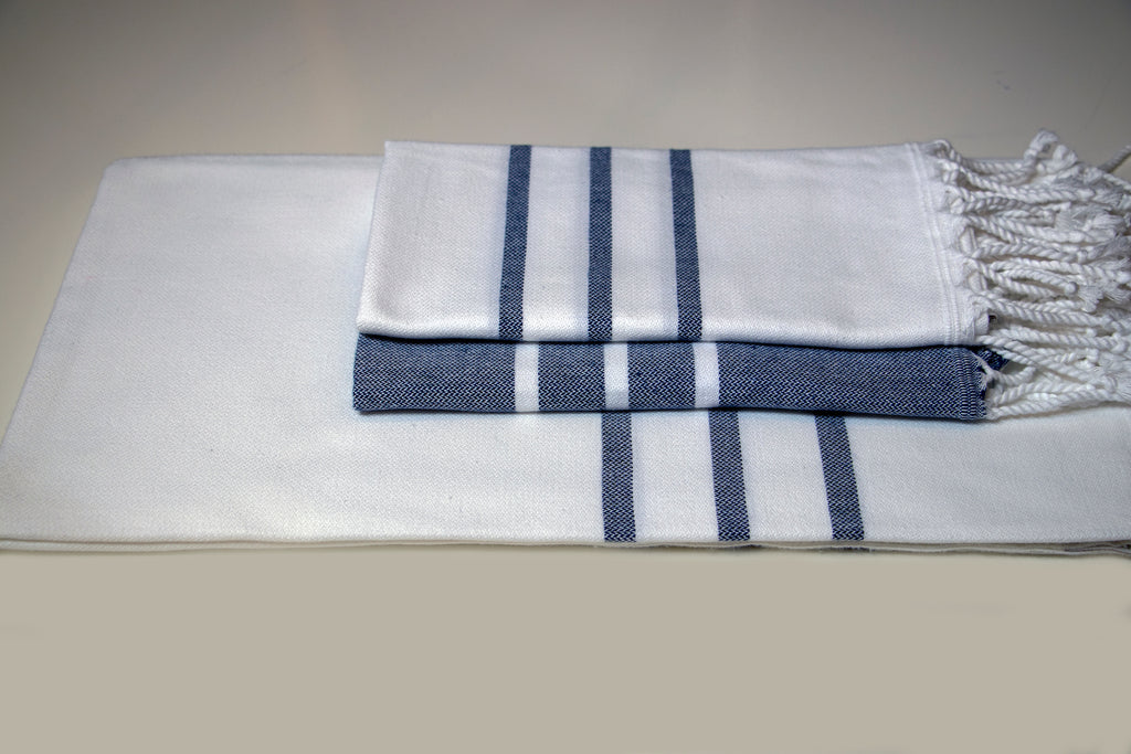 Antiochia Collection Bath Towel - white & navy set