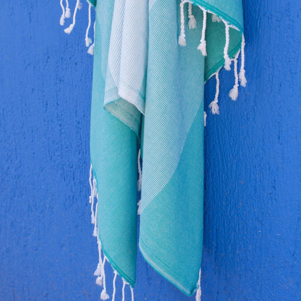 Teal Bath Towel – Ton-Sur-Ton Collection