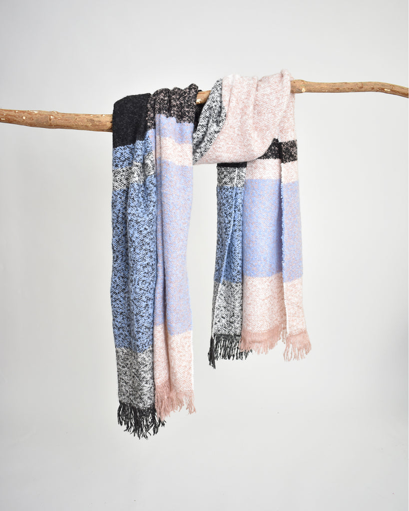 Plaid Bouclé Scarf – Blush & Blue