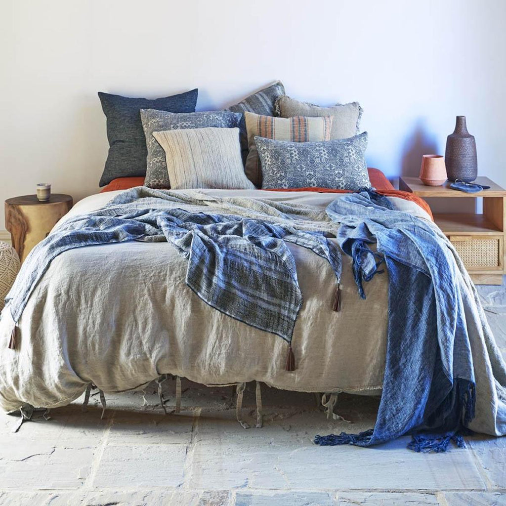 WHY DO WE LOVE LINEN?