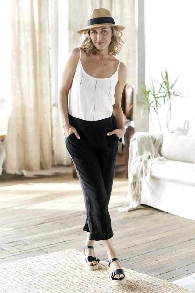 Carter Euro Linen Cami and Black 3/4 summer pant