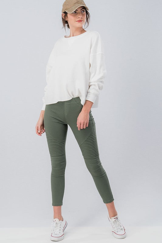 Running Around Like Crazy Skinny Pant - Olive (front)