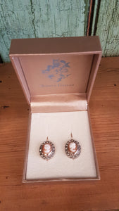 Simply Italian - Cameo & Pearl Earrings