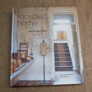 Book 'Recycled Home' - Tilly and Tiffen