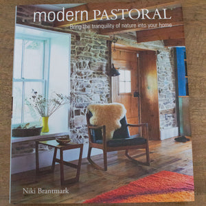Book 'Modern Pastoral' - Tilly and Tiffen