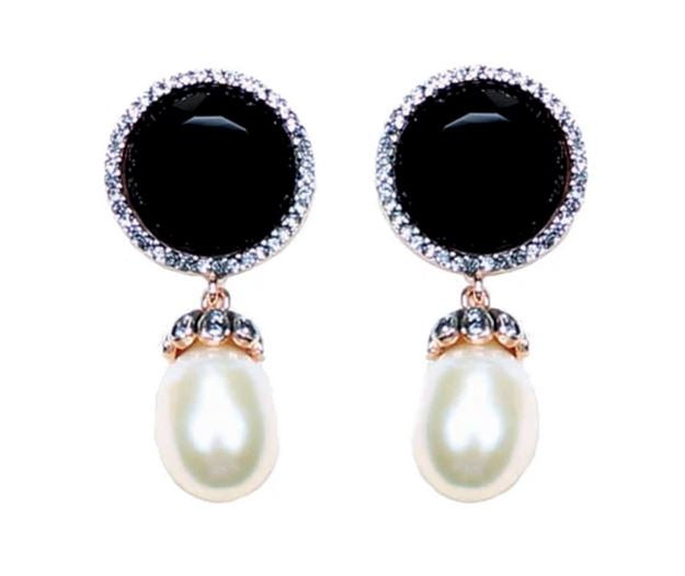 Simply Italian - Onyx & Pearl Stud Earrings
