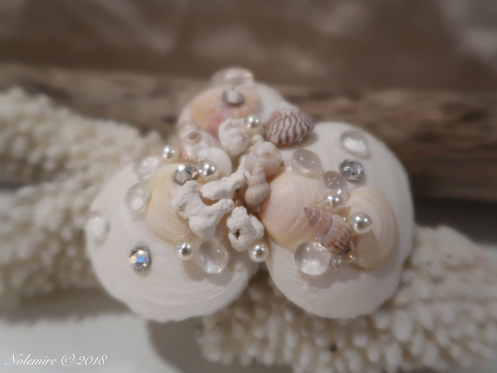 Pastel Beauty White Seashell Hair Barette