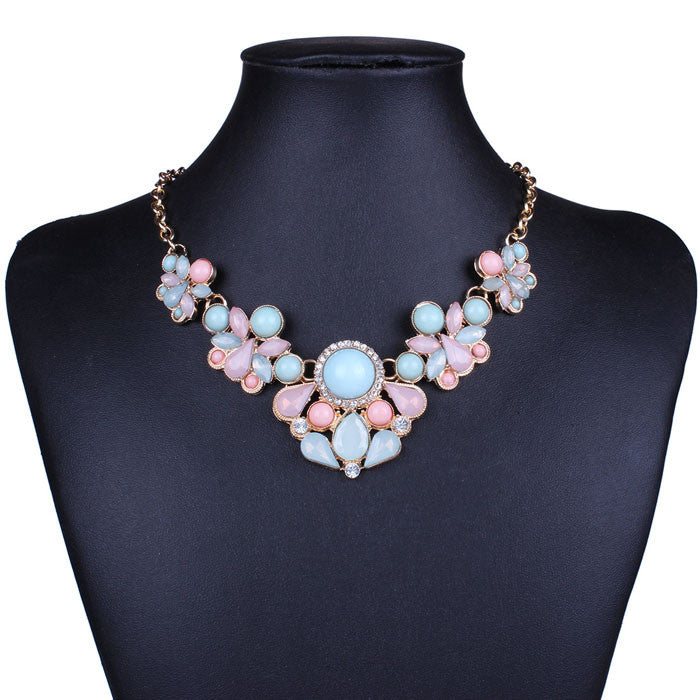 Teardrop-Shaped Rhinestone Colorful Bib Statement Necklace