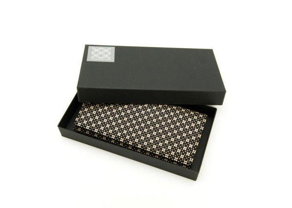 Long Wallet Flower Lattice Lacquer Black