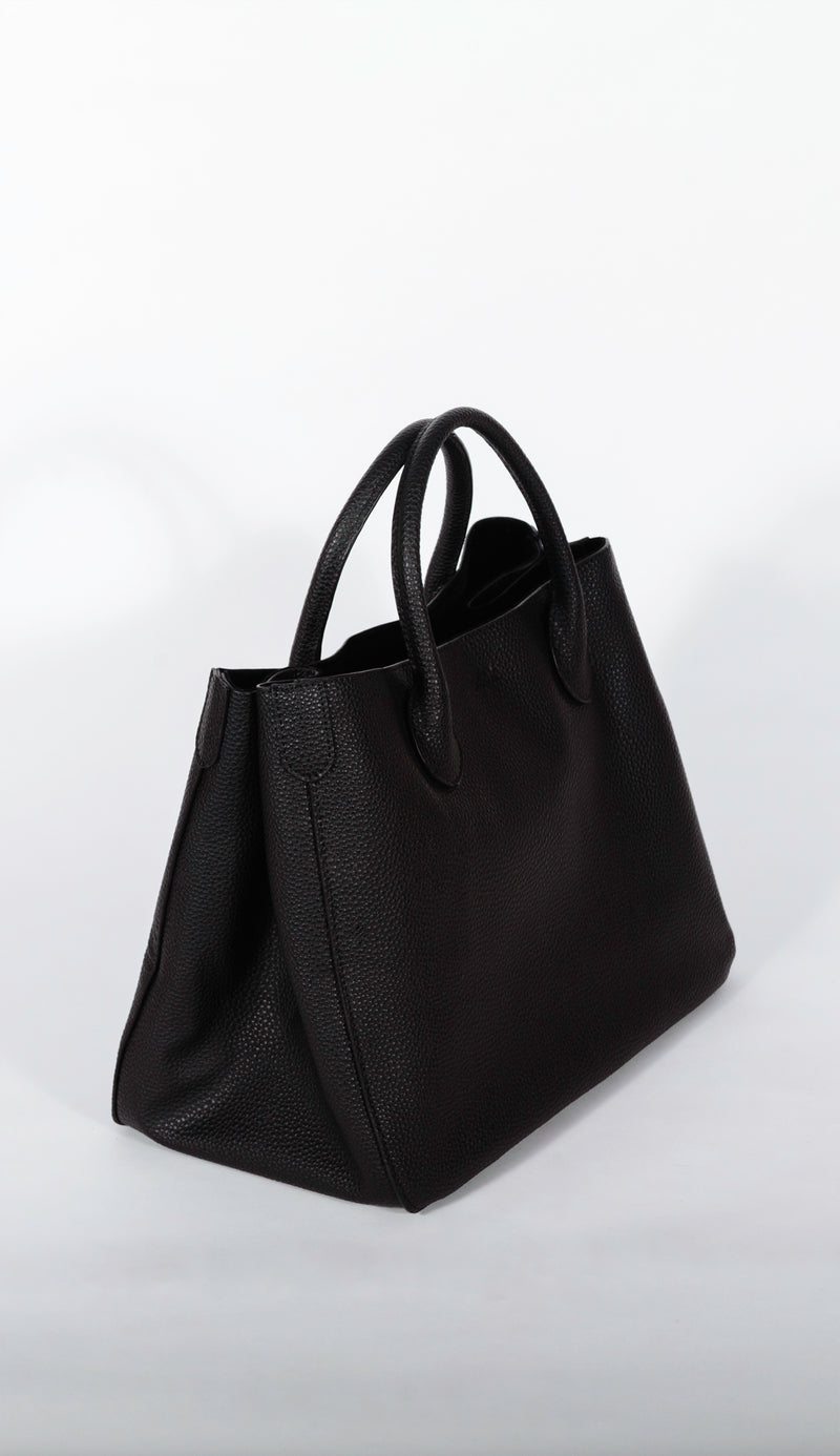 beck tote side view in black