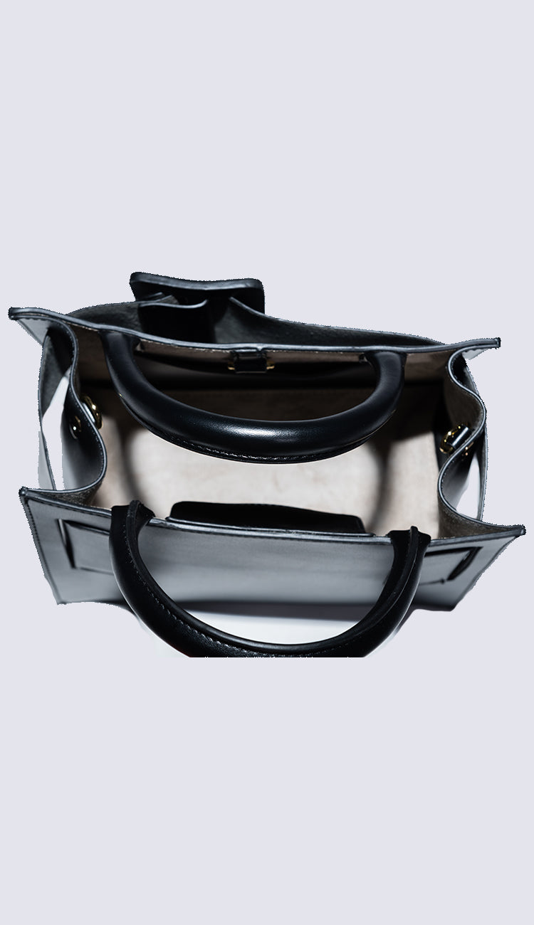 carl black handbag interior view