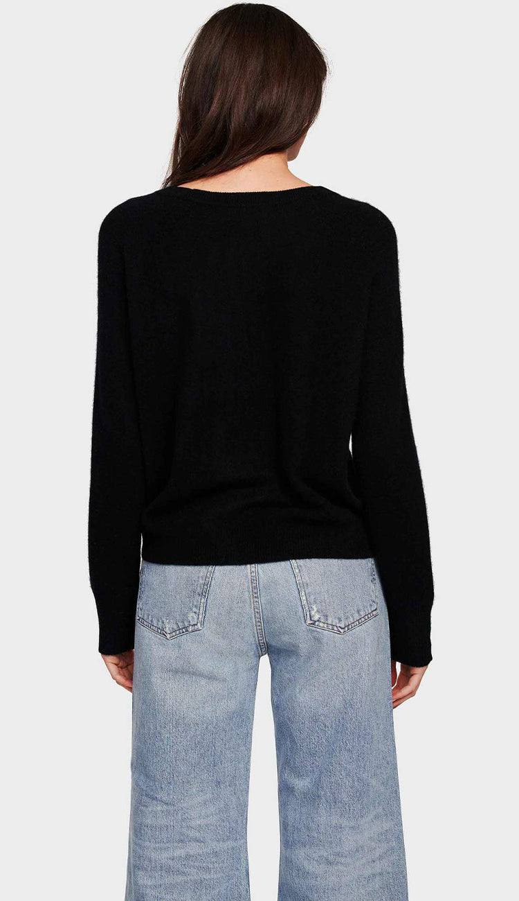white and warren essential cashmere crewneck sweatshirt in black back view