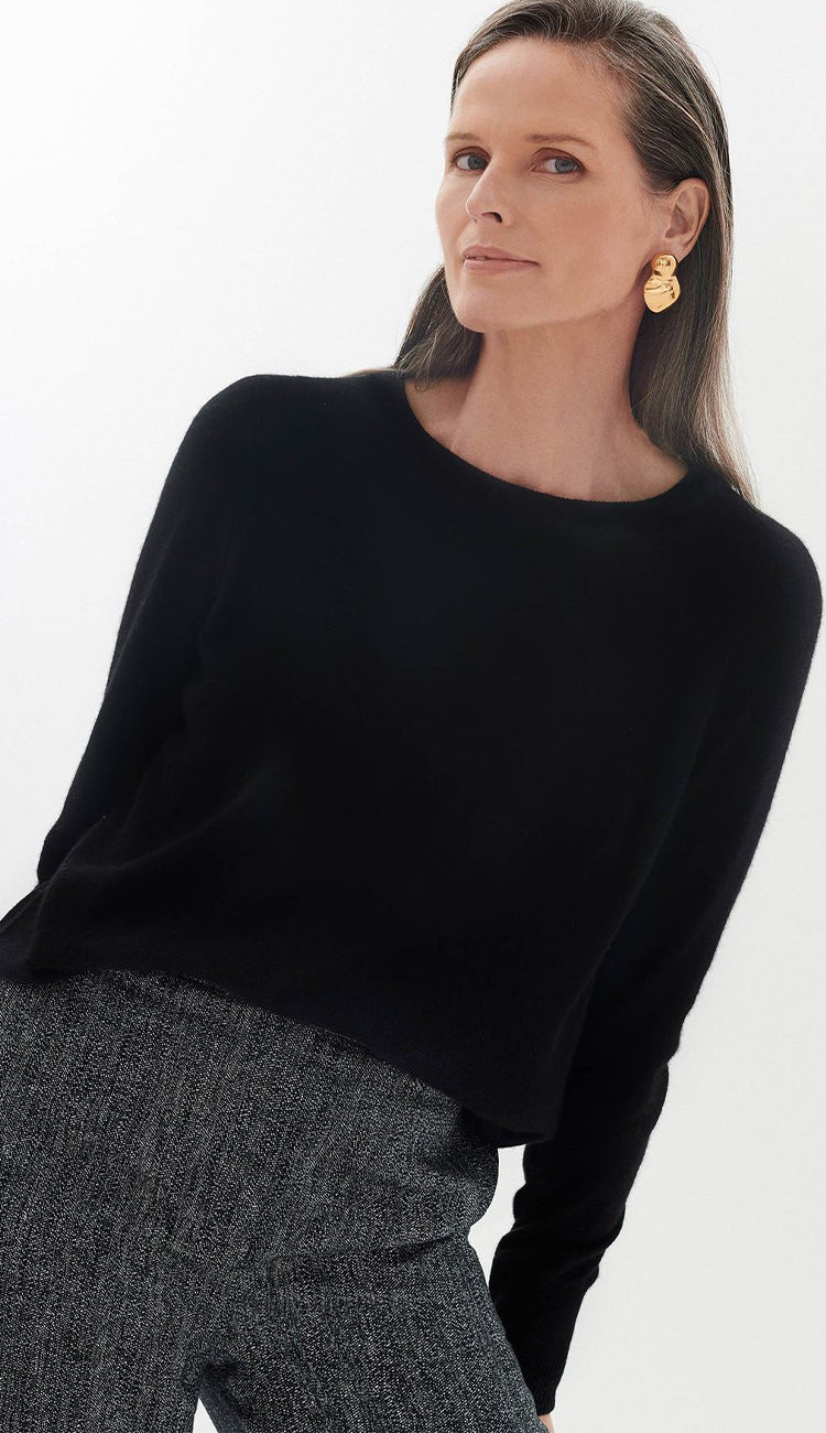 White and Warren Essential sweatshirt in black view 4