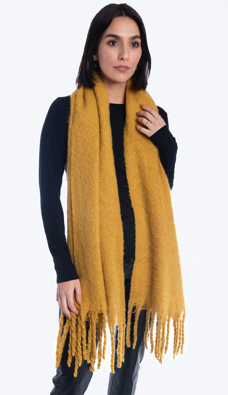 Oversized knit scarf in honey yellow - Paula & Chlo