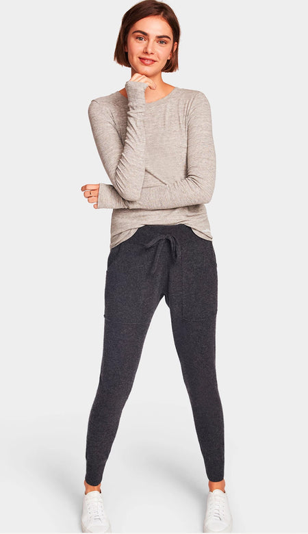Relaxed Pleat Sleeve Cashmere Mock Turtleneck- Prune