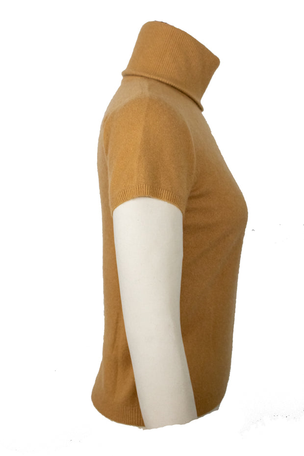 Cashmere Short-Sleeve Turtleneck Sweater in Camel